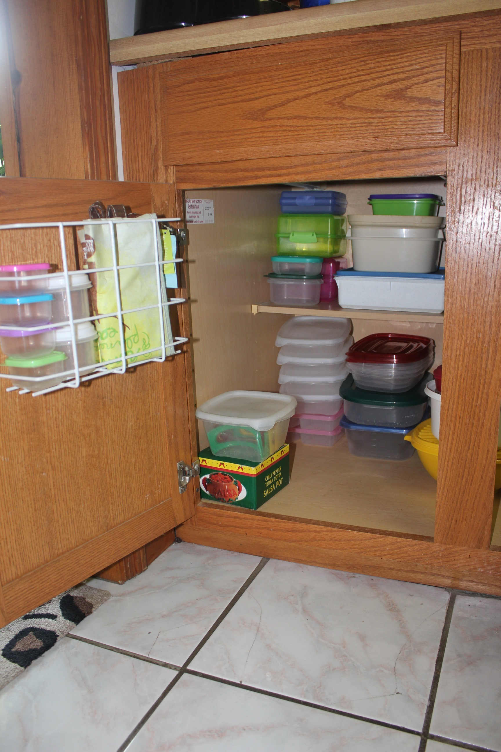 Tupperware And Troubled Corners   Organized Tupperware Cabinet