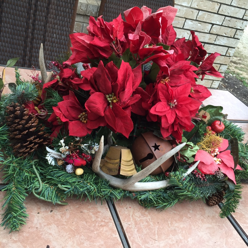 Glitzy Christmas Wonderland- Outdoor Centerpiece